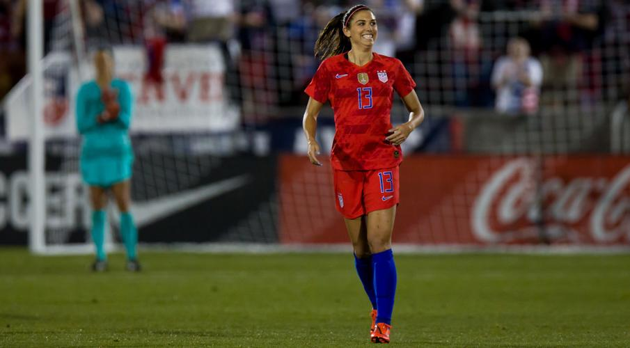 US star Alex Morgan expecting baby