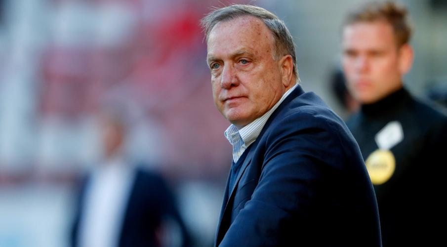 Feyenoord turn to veteran Advocaat as Stam successor