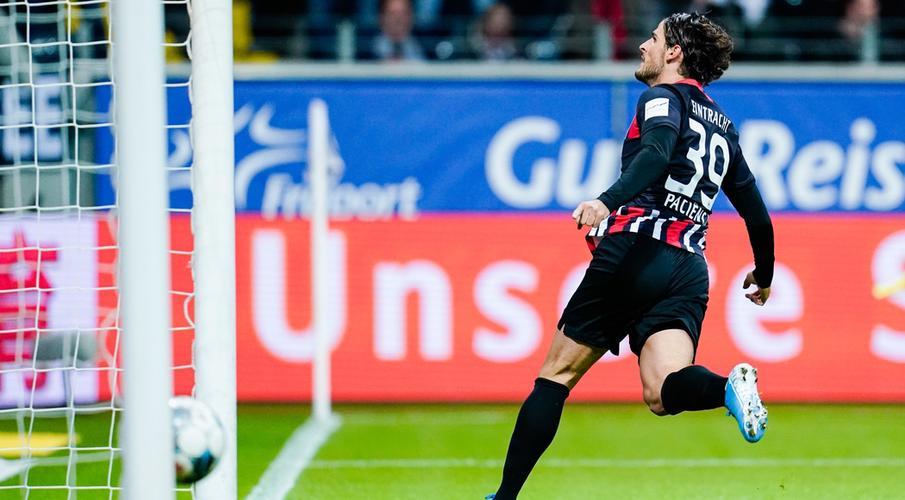 Paciencia double sends Frankfurt past Leverkusen