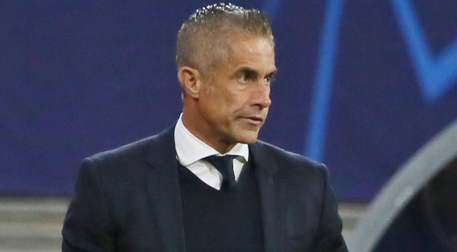 Struggling Lyon plan to dismiss coach Sylvinho