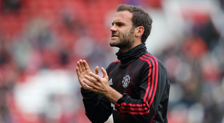 Mata extends Man Utd stay to 2021