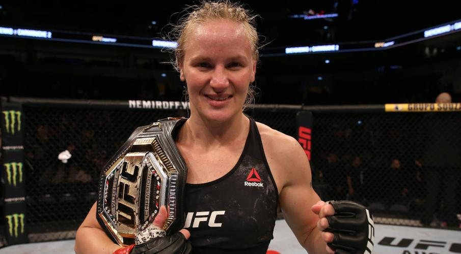 Ditch battle! China star leaps from holes to UFC title shot | SuperSport