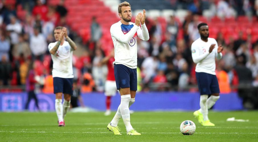 Kane treble fires England in Bulgaria rout