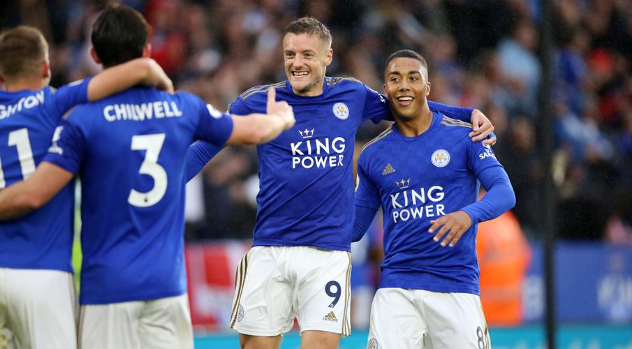 Vardy at the double as Leicester thrash Newcastle