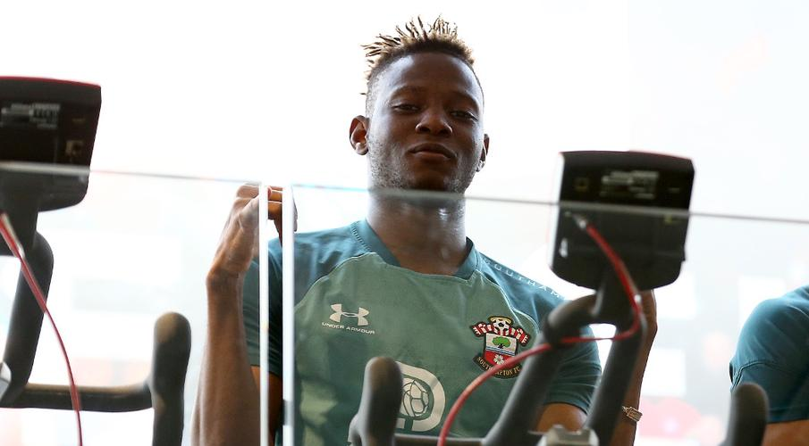 Southampton's Djenepo suffers injury setback