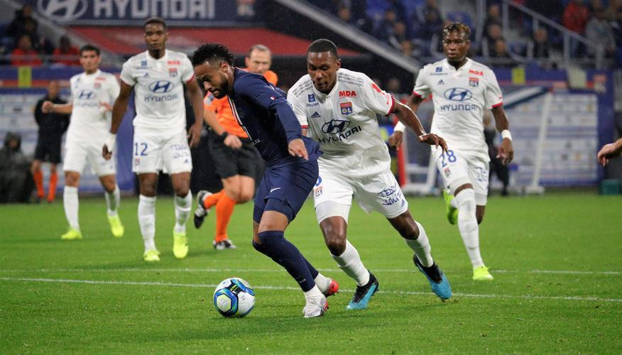 Neymar to the rescue again as PSG beat Lyon