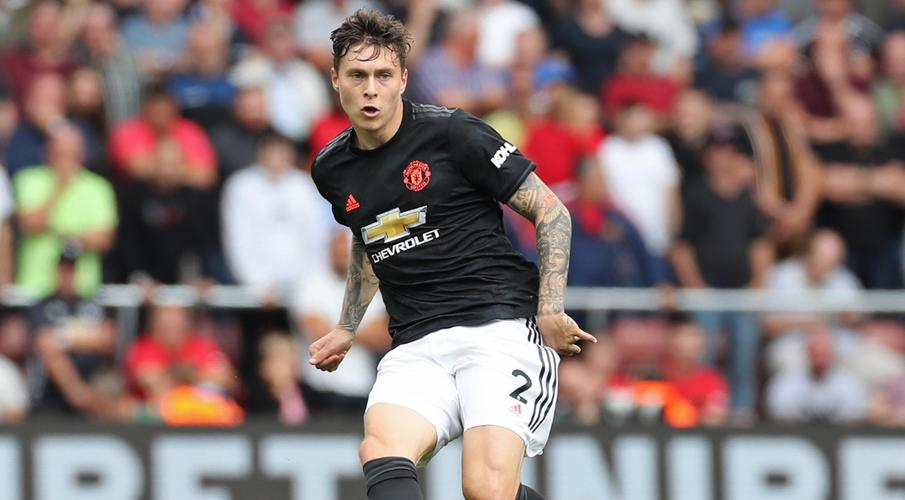 Lindelof extends Man United deal to 2024