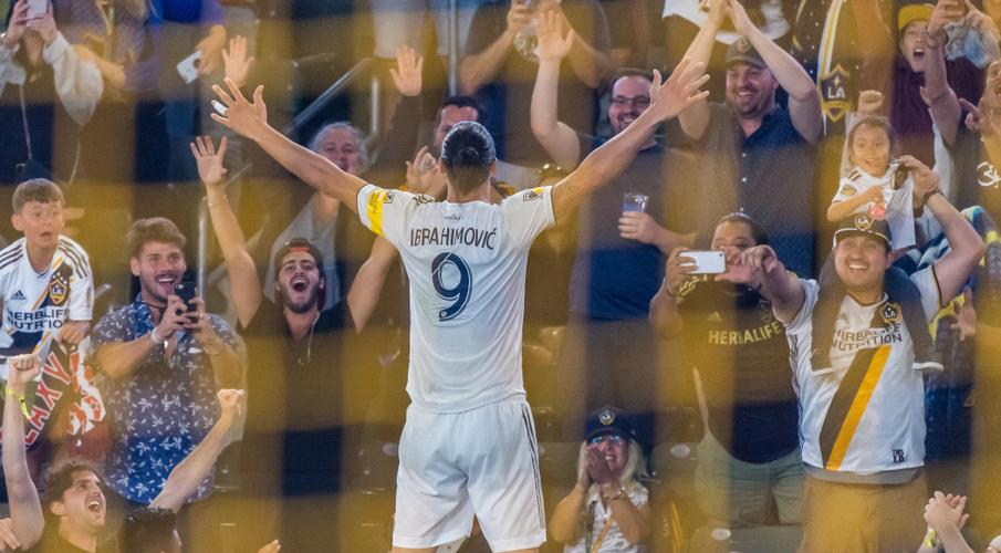 Ibrahimovic hat-trick propels Galaxy to 7-2 victory