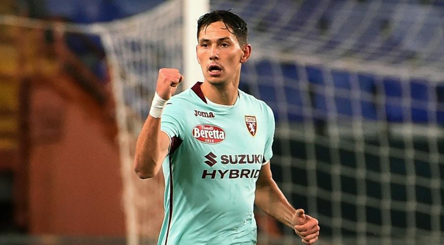 Lukic ghi bàn khi Torino giành chiến thắng đầu tiên trong mùa giải ở Genoa Sasa-Lukic-201104-Celebrating-G1050