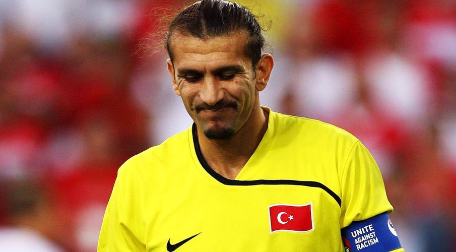 Former Turkey keeper in hospital with coronavirus