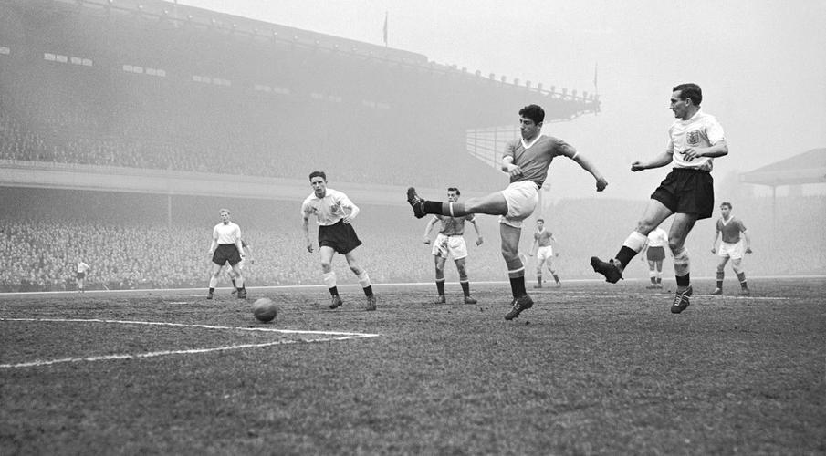 Former Man Utd forward Dawson dies aged 80