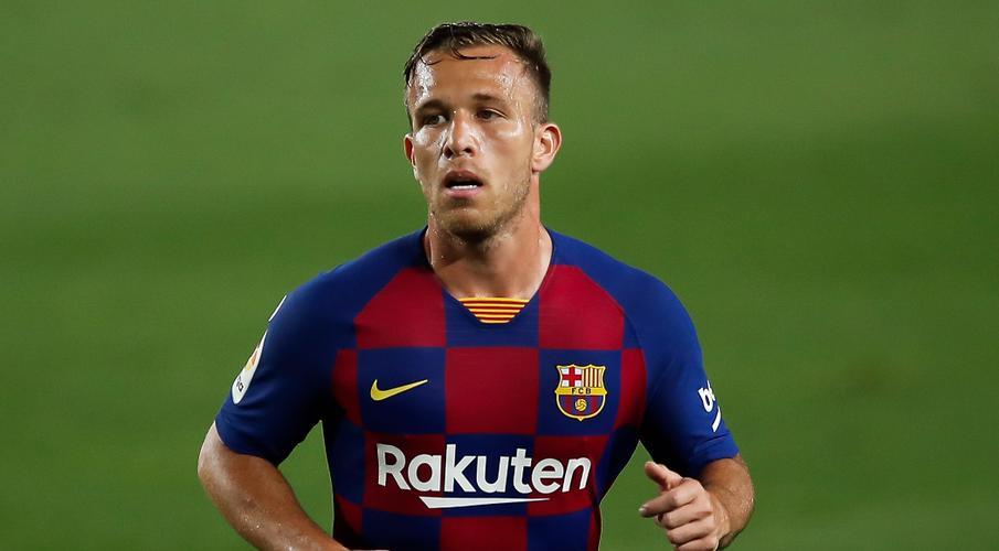 Juventus-bound Arthur snubs Barca training