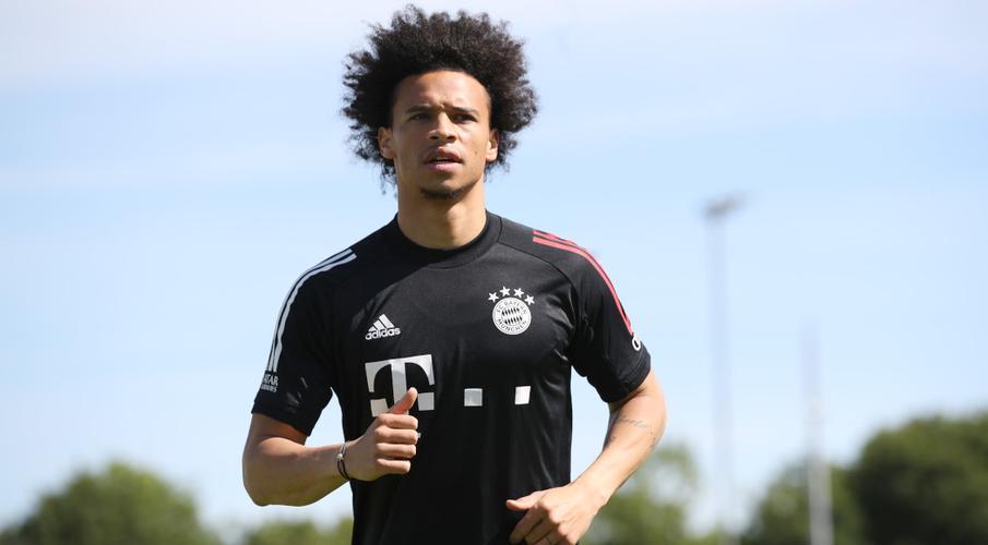 Sane báo cáo sớm cho buổi tập đầu tiên của Bayern kể từ khi chuyển từ City