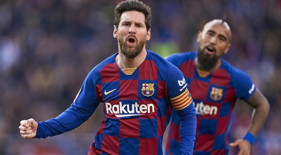 Van Bronckhorst 'can't imagine' Barca without Messi