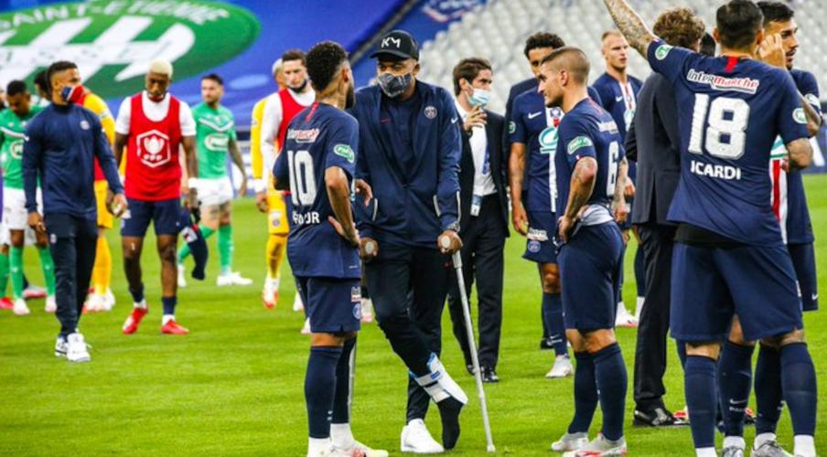 PSG win Coupe de France but Mbappe injured