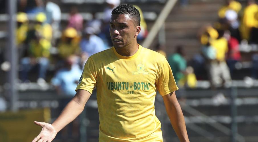 Sundowns defender Nascimento signs new deal