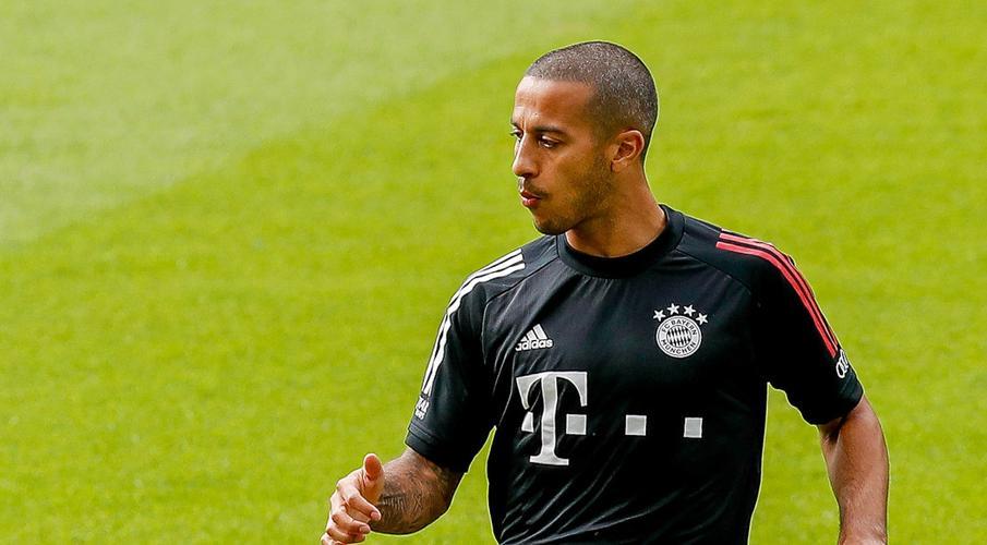 Bayern star Thiago Alcantara set to join Liverpool - report
