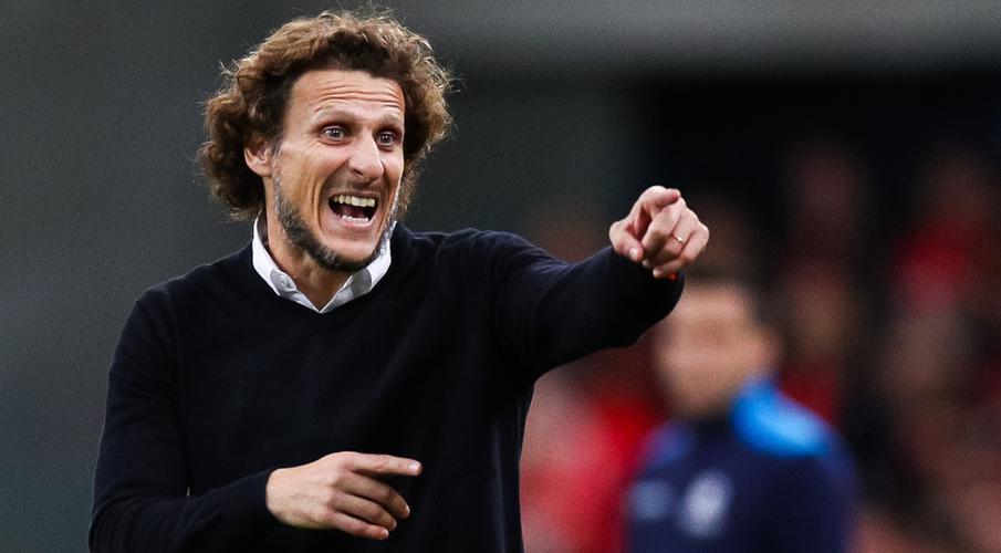 Penarol sack ex-Man Utd star Forlan after poor results