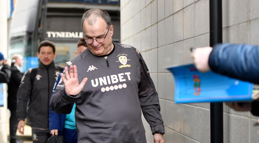 Leeds confirm one-year contract extension for Bielsa
