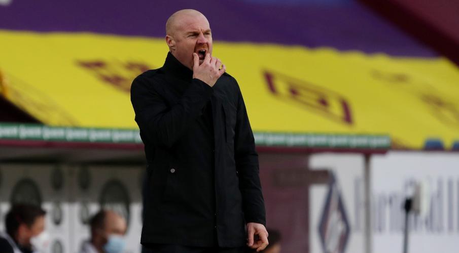 Burnley chuyển sang trí tuệ nhân tạo để tìm kiếm các cầu thủ học viện Sean-Dyche-210112-Coaching-G1050