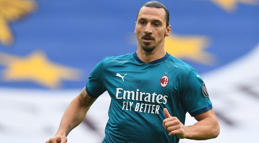 Ibrahimovic trở lại đội hình AC Milan gặp Torino Zlatan-Ibrahimovic-201031-Runs-G-1050
