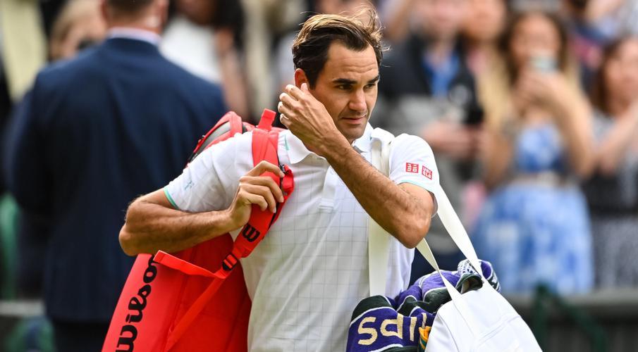[Image: Roger-Federer-210707-Leaves-G-1050.jpg]