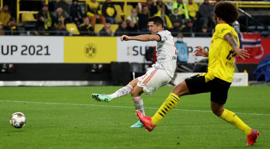 Lewandowski scores twice as Bayern beat Dortmund in Super Cup