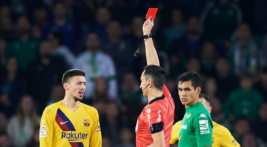 Referee rested after Barca's controversial win at Betis - SuperSport