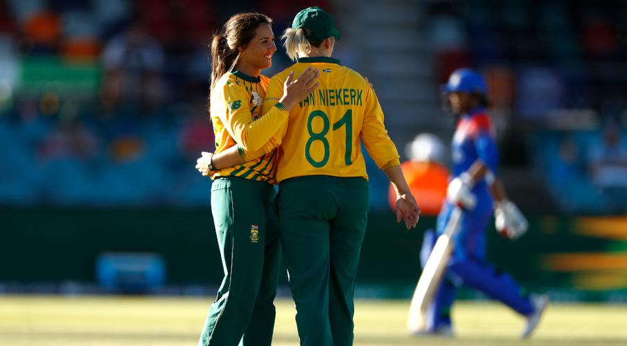 South Africa hit record total to crush Thailand at T20 World Cup - SuperSport