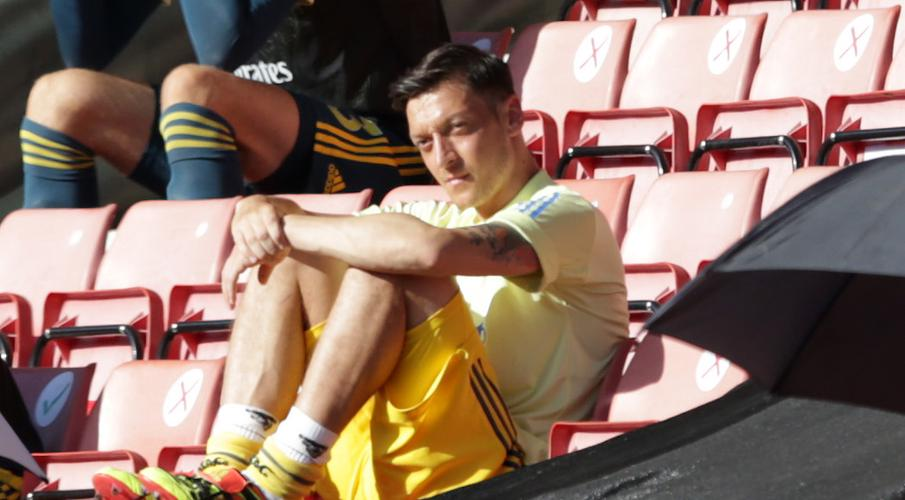 Ozil tells Arsenal 'i'll decide when I go' - SuperSport